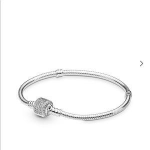 "Pandora Pave clasp bracelet 9.1"""